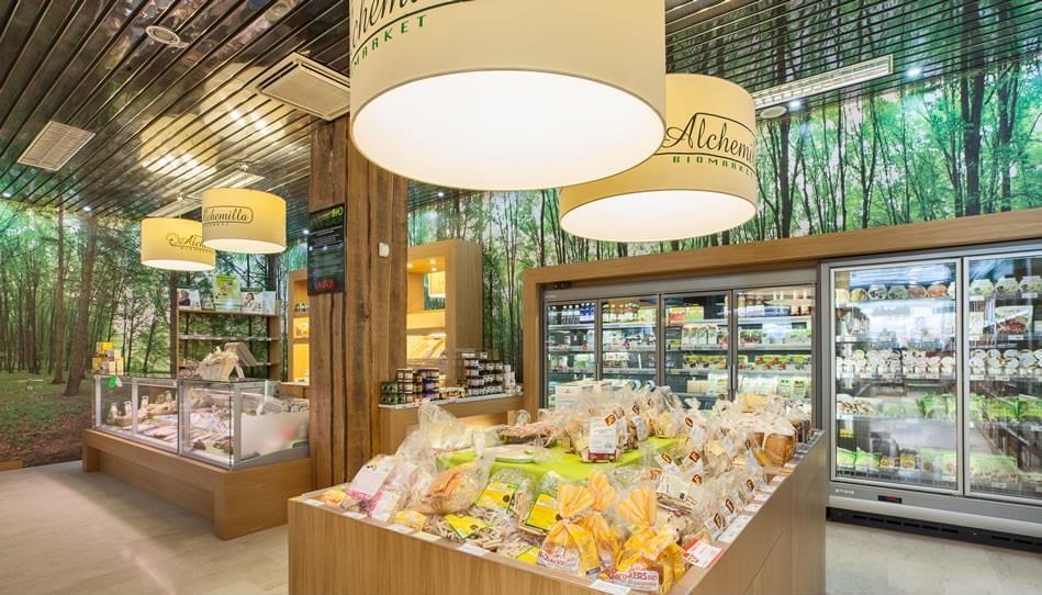 il primo negozio Alchemilla Biomarket